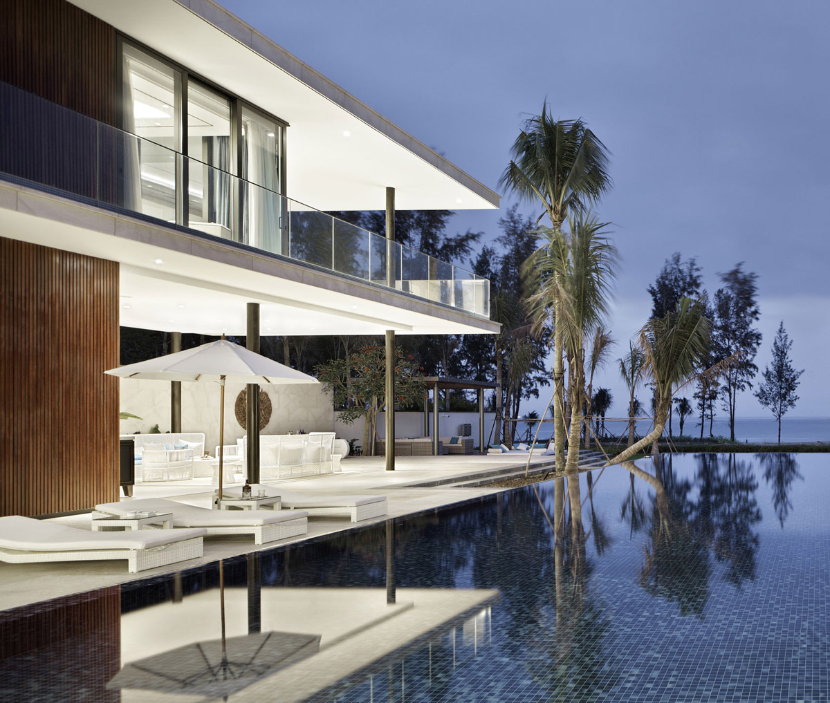 Pool, Sea Views, Beachside Villas in Lingshui, Hainan, China