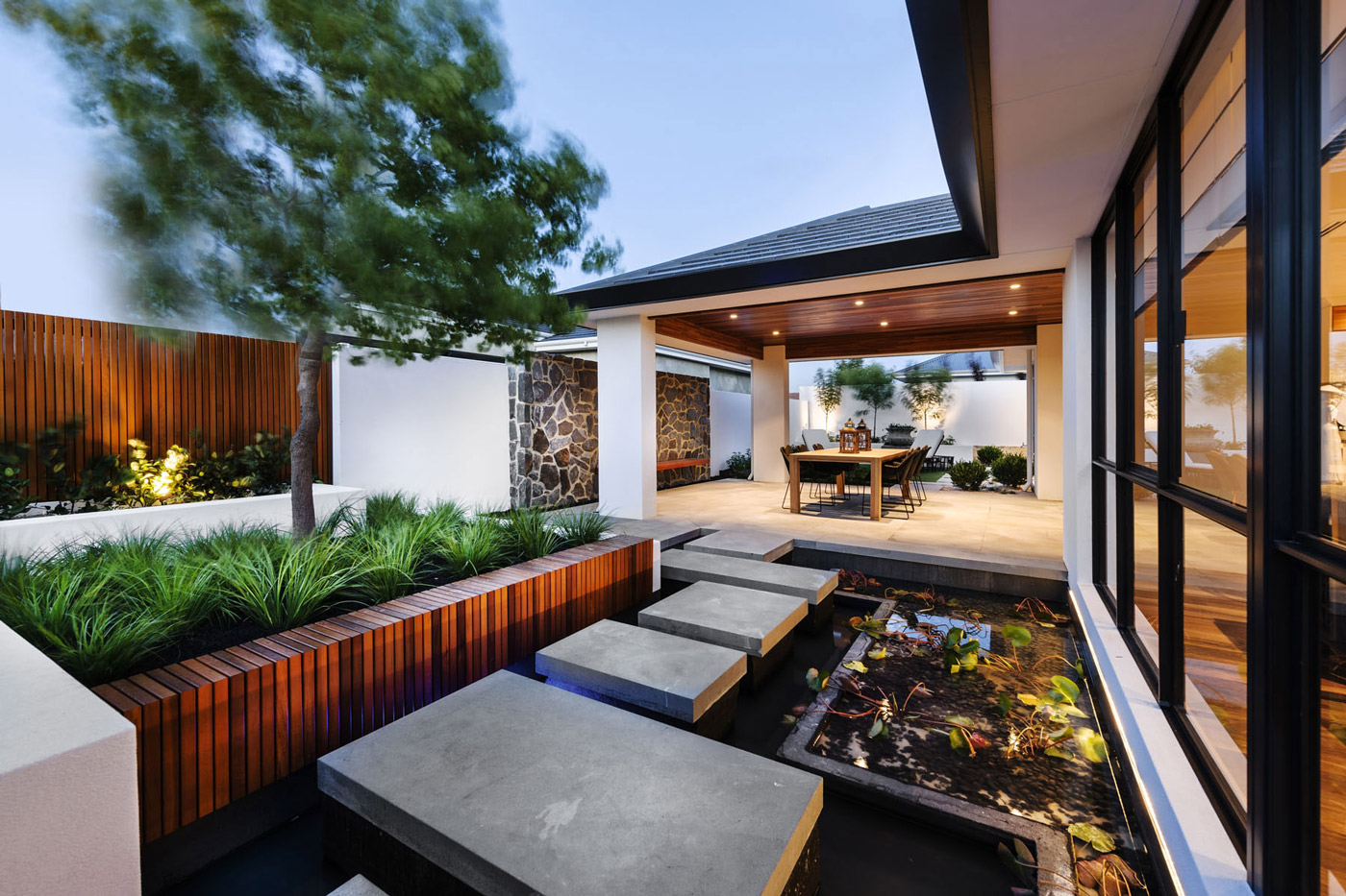 Stepping Stones, Water Feature, Veranda, Outdoor Dining, House in Burns Beach, Perth