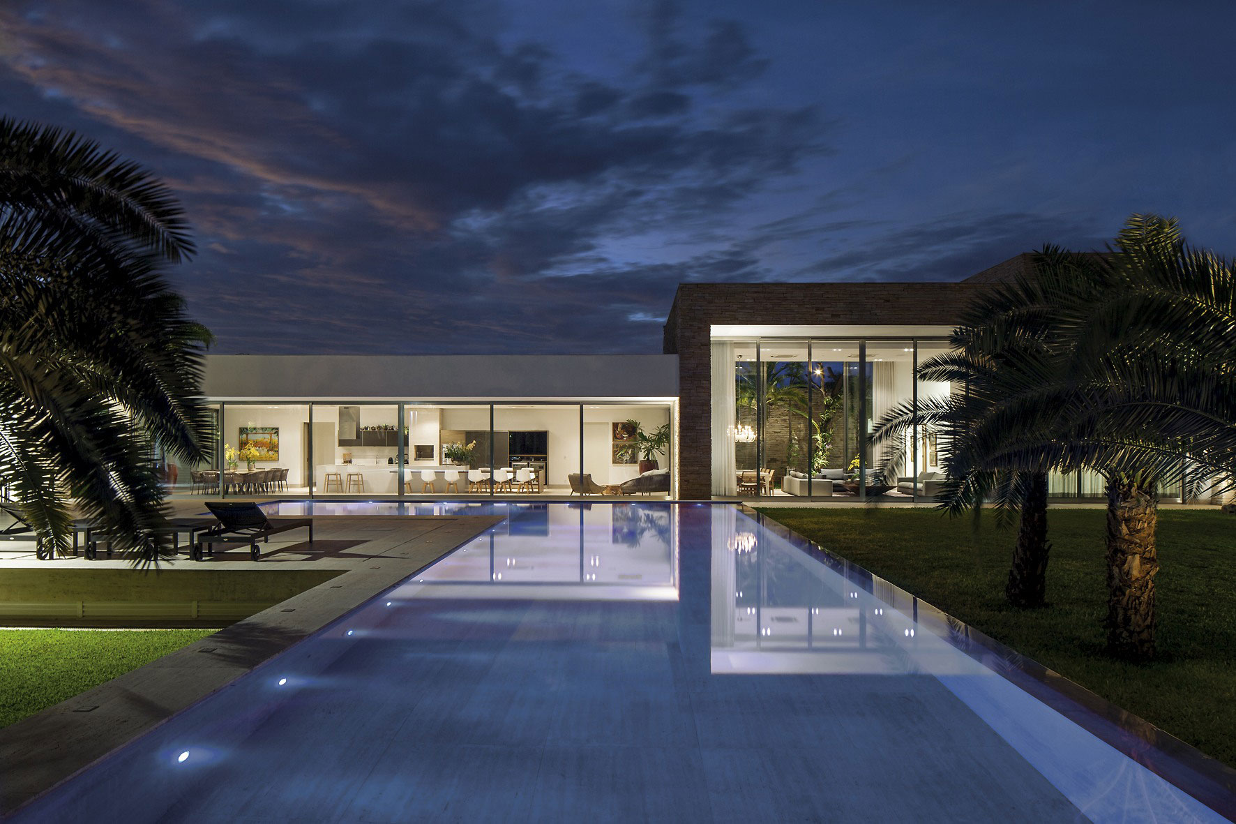 Swimming Pool, Lighting, Evening, Home in Uberlandia, Brazil