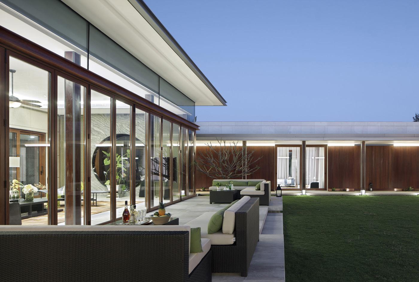 Terrace Furniture, Glass Sliding Doors, Beachside Villas in Lingshui, Hainan, China