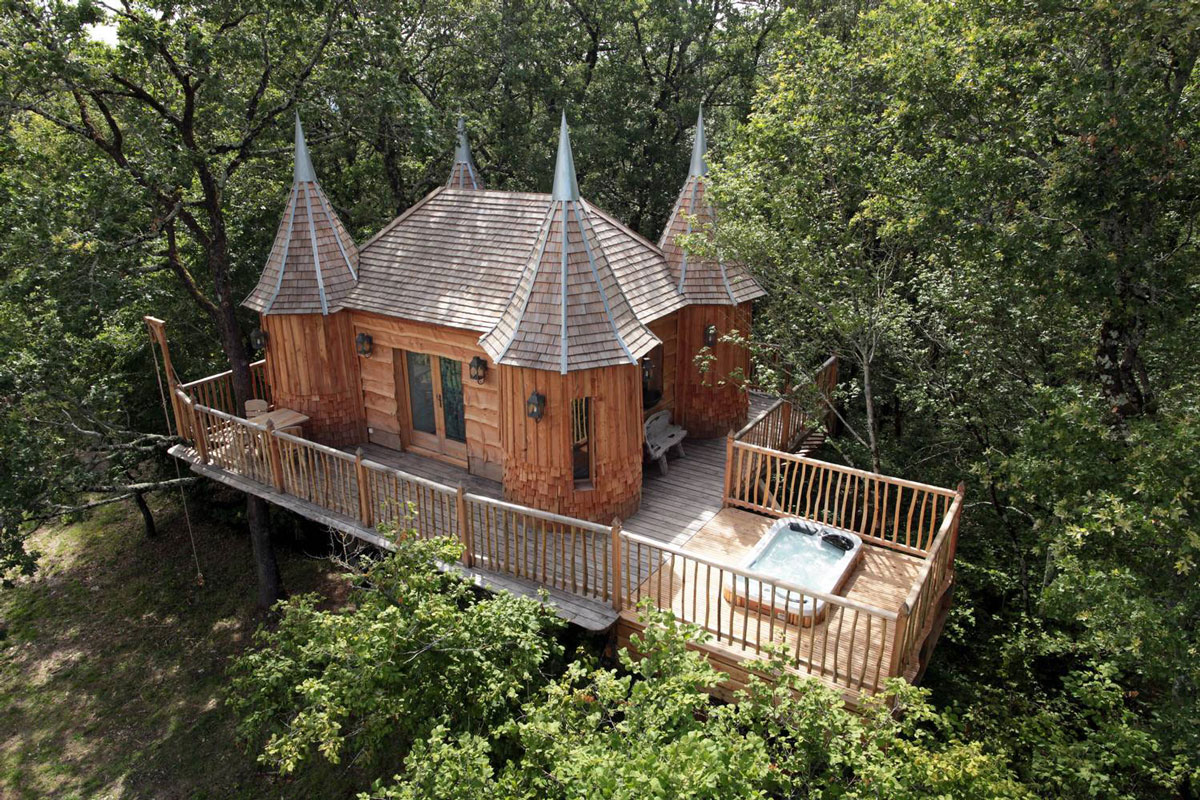 Terrace, Hot Tub, Jacuzzi, Treehouse in Nojals-et-Clotte, France