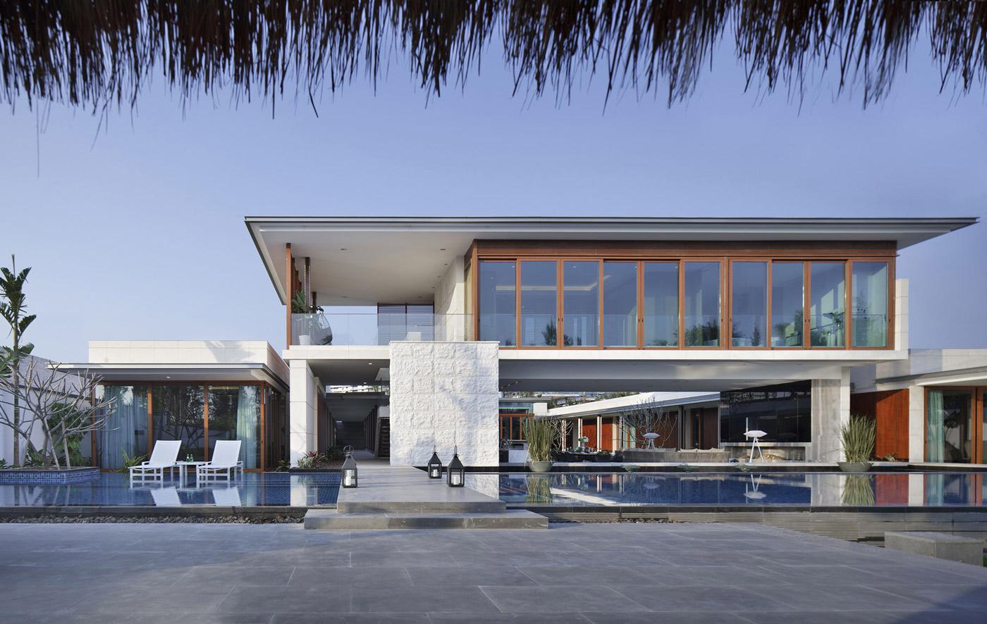 Terrace, Pool, Bridge, Beachside Villas in Lingshui, Hainan, China