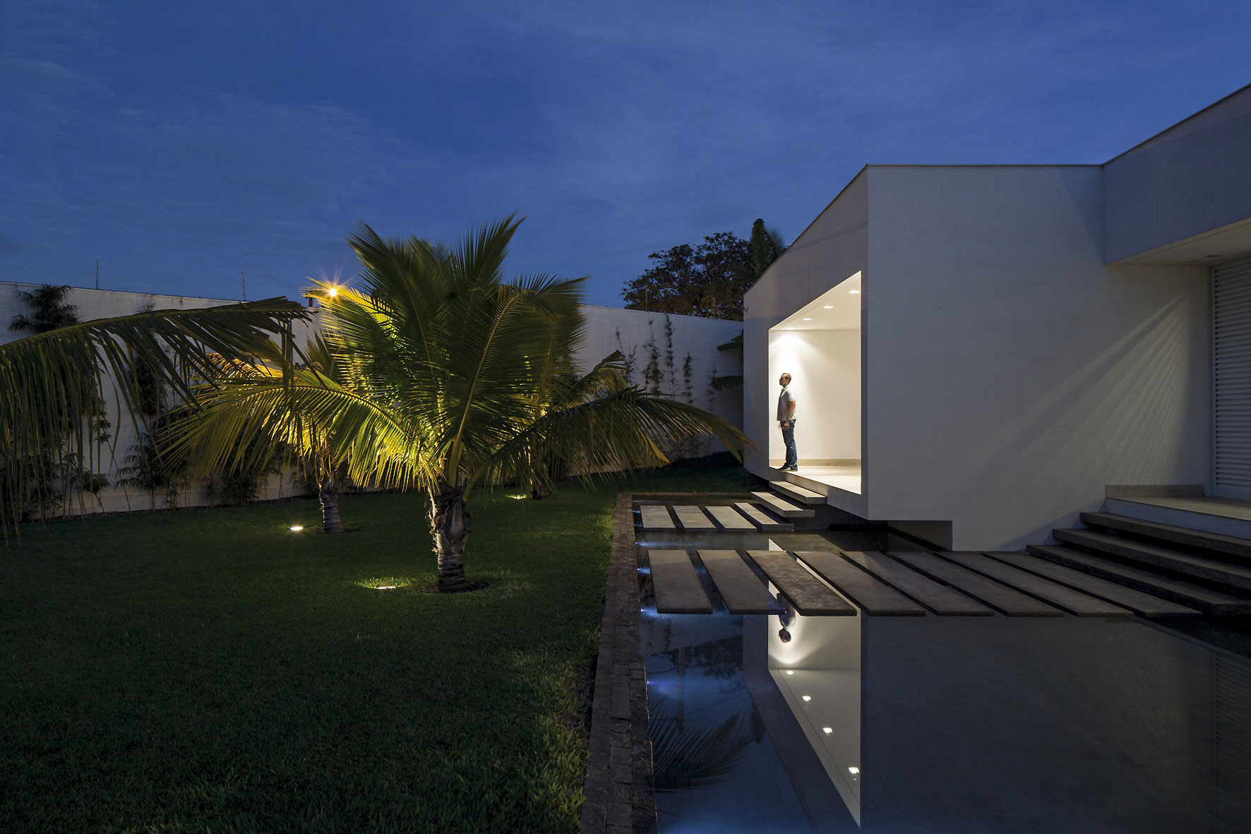 Water Feature, Evening, Lighting, Steps, Home in Uberlandia, Brazil