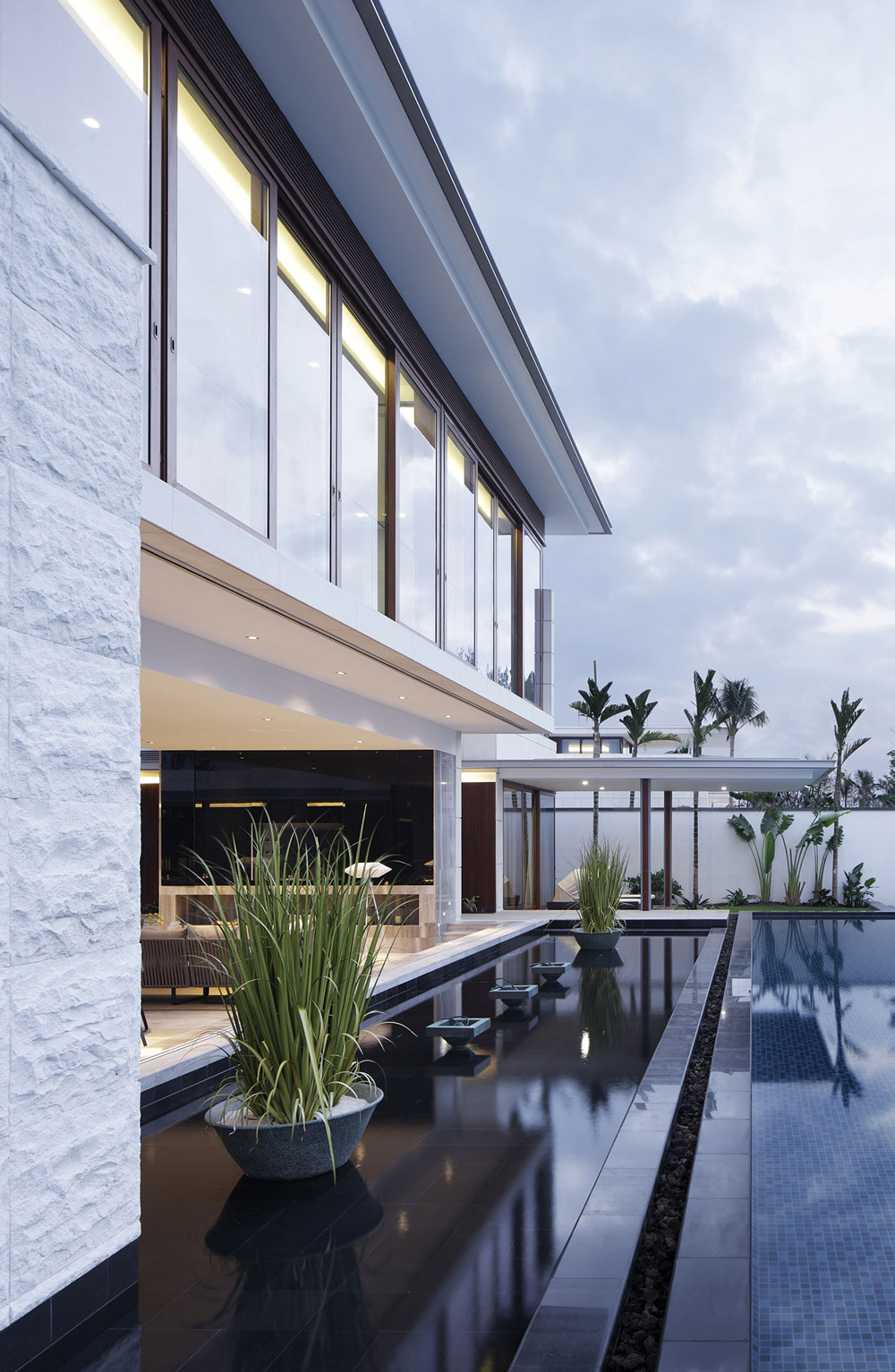 Water Feature, Pool, Beachside Villas in Lingshui, Hainan, China