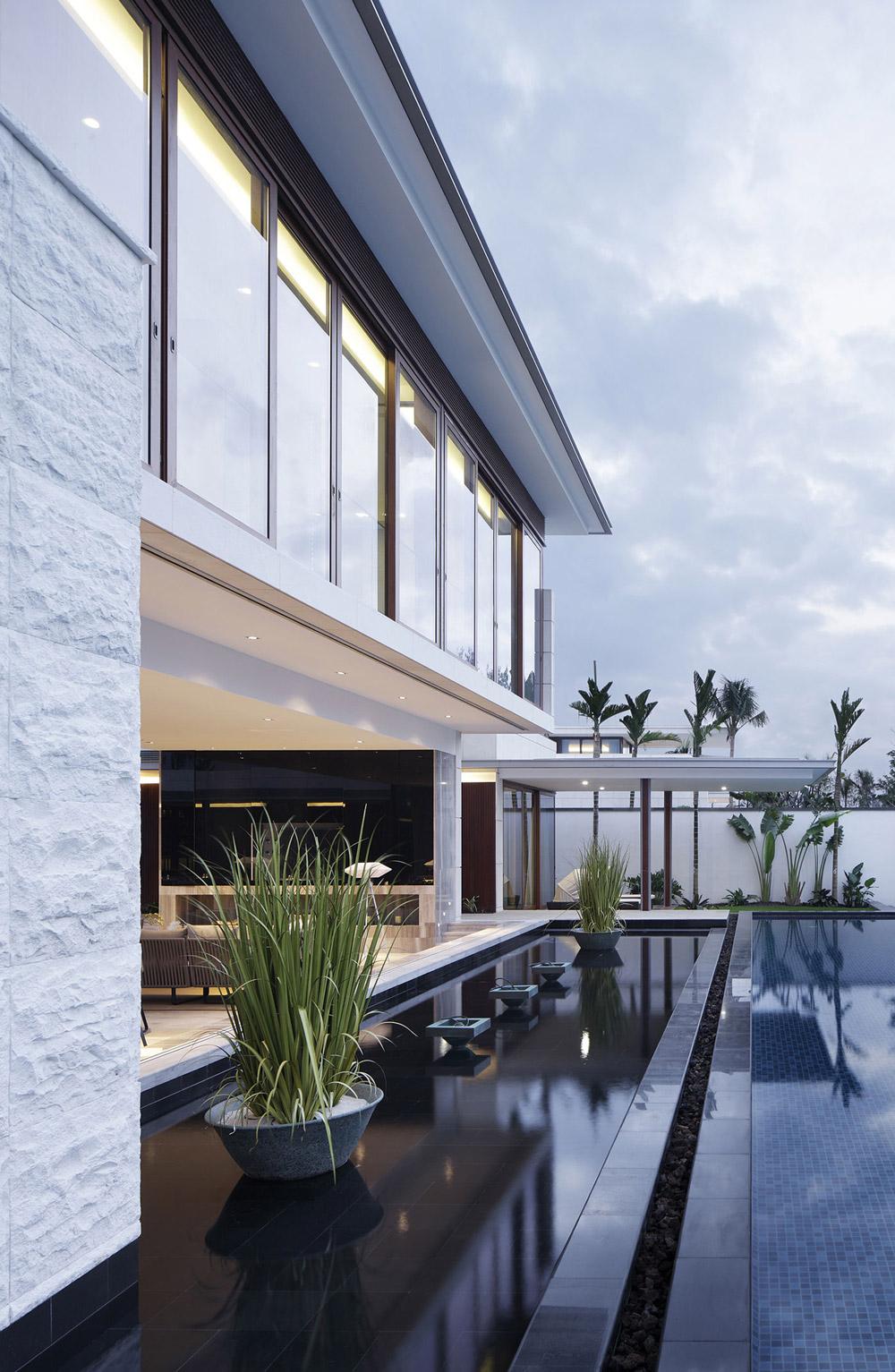 Water Feature, Pool, Beachside Villas in Lingshui, Hainan, China