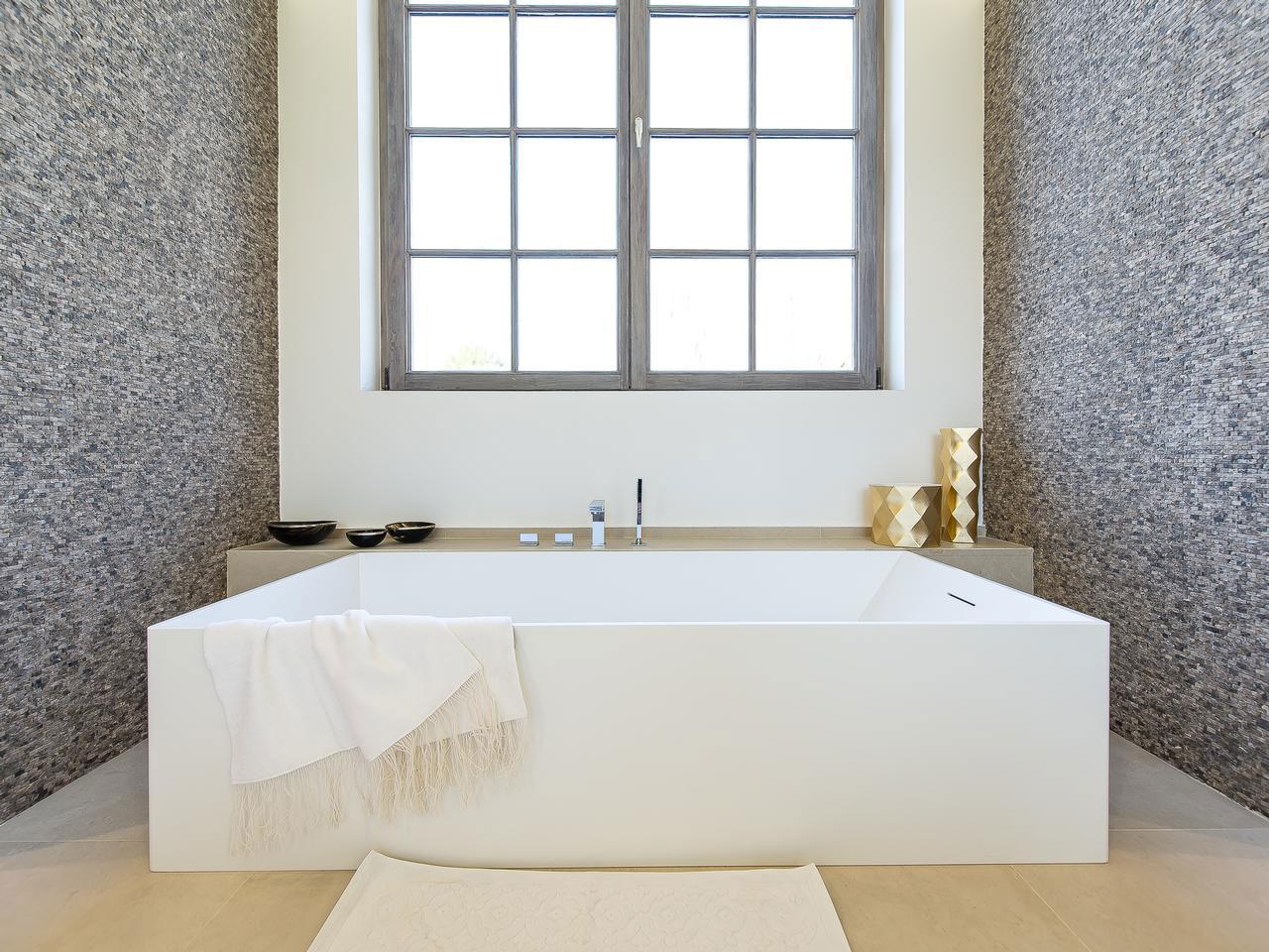 Bath, Grey Walls, House Renovation in Sint-Genesius-Rode, Belgium