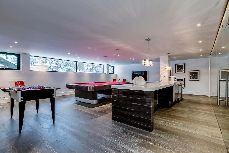 Games Room, Bar, Contemporary House in Toronto, Canada