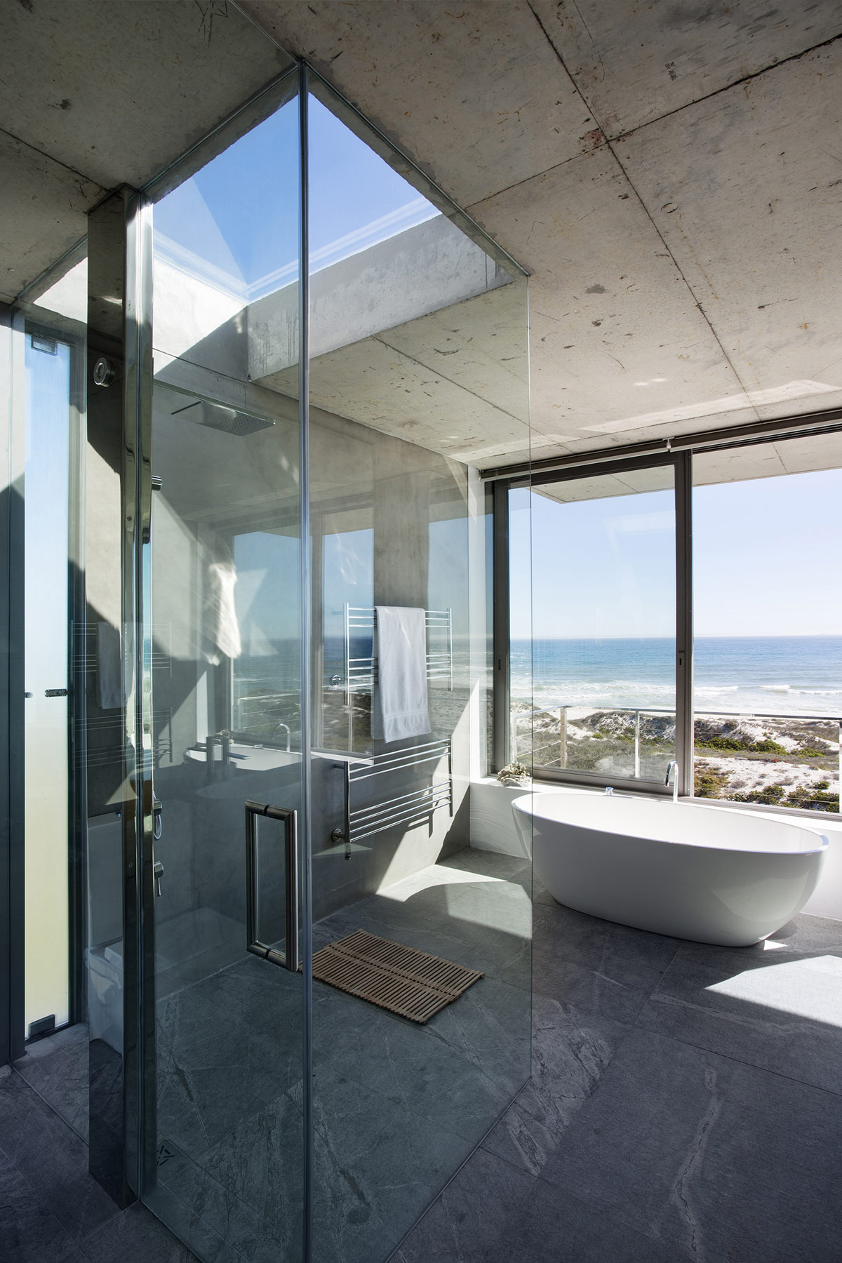 Glass Shower, Bath, Bathroom, Ocean Views, Holiday Home in Yzerfontein, South Africa