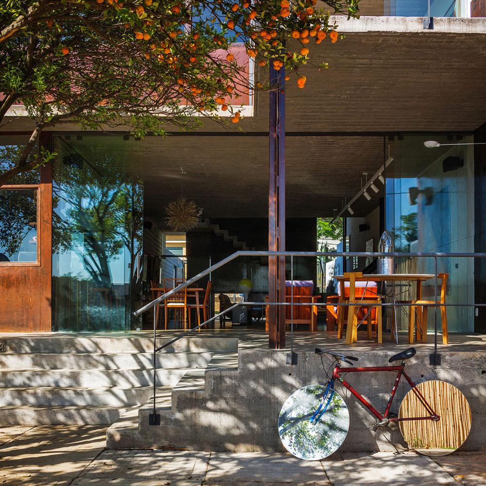 Glass, Concrete & Steel, Urban House in São Paulo, Brazil