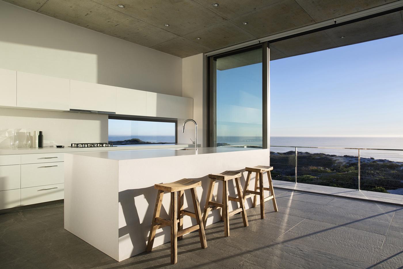 Kitchen Island, Breakfast Bar, Glass Sliding Doors, Holiday Home in Yzerfontein, South Africa