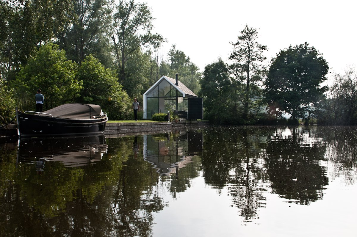 Lakefront, Compact Holiday House in Loosdrechtse