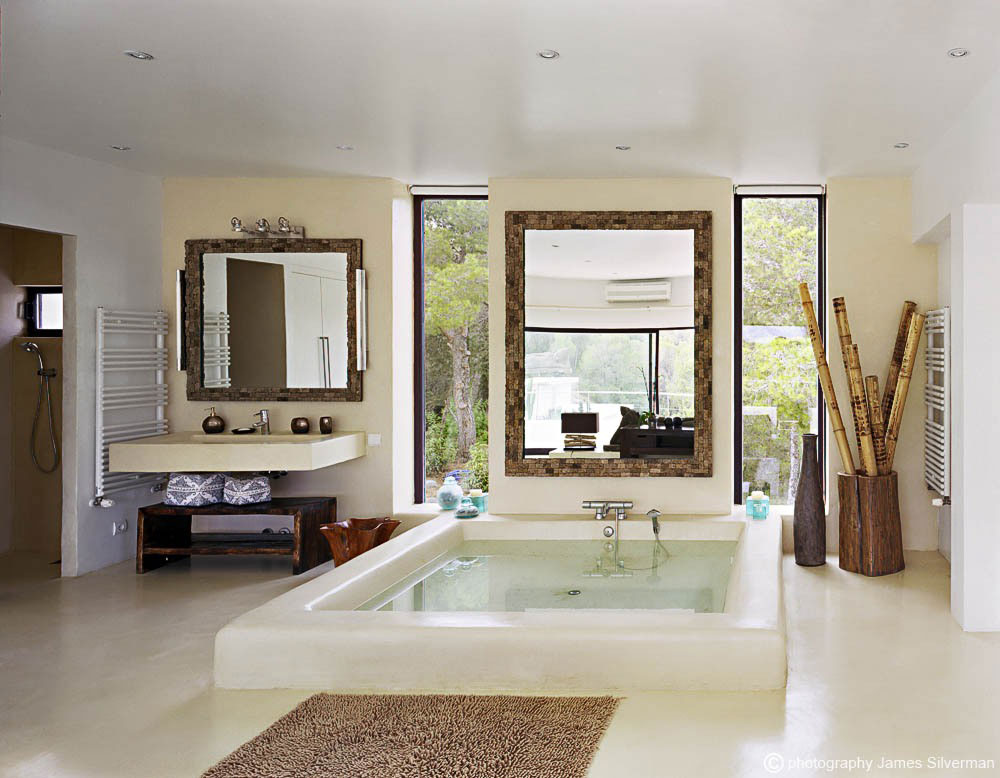 Large Bath, Rustic Mirror, Villa in Ibiza