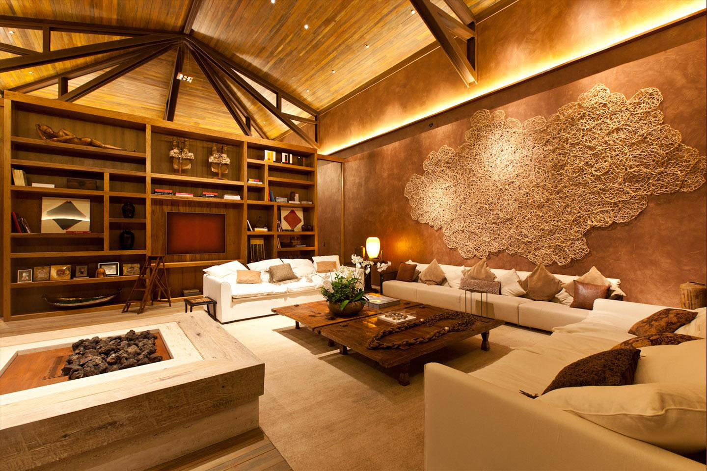 Living Room, Sofas, Coffee Table, Lighting, Vaulted Ceilings, House in Nova Lima, Brazil
