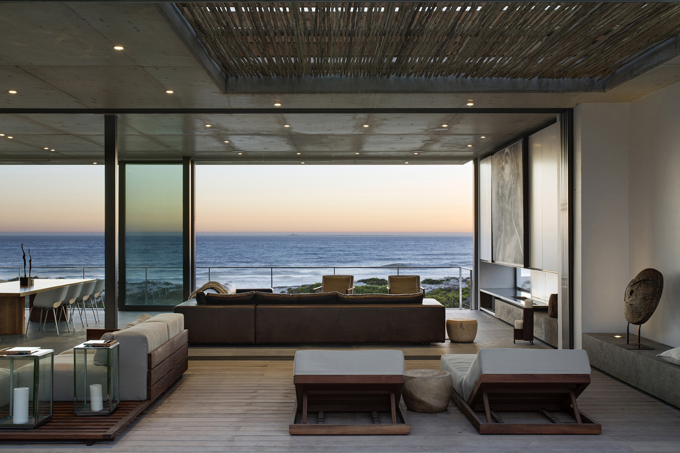 Living Space, Ocean Views, Holiday Home in Yzerfontein, South Africa