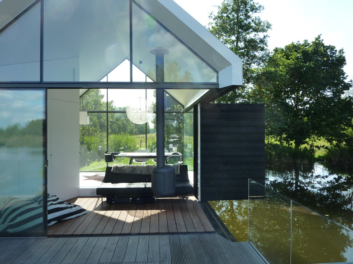Wooden Deck, Fireplace, Sliding Doors & Walls, Holiday House in Loosdrechtse