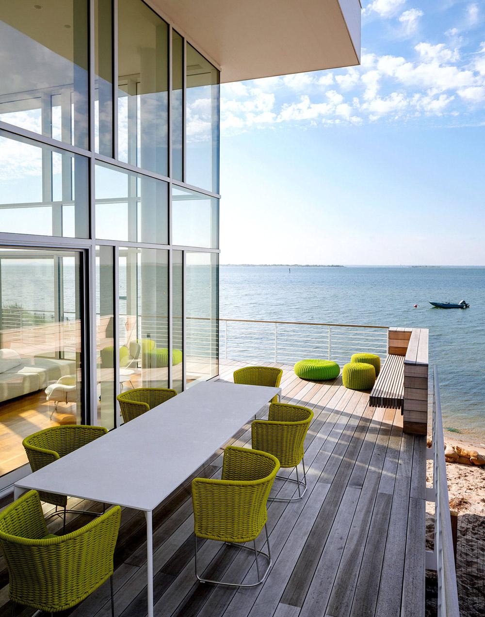 Balcony, Outdoor Dining Table, Ocean Views, Richard Meier's Fire Island House