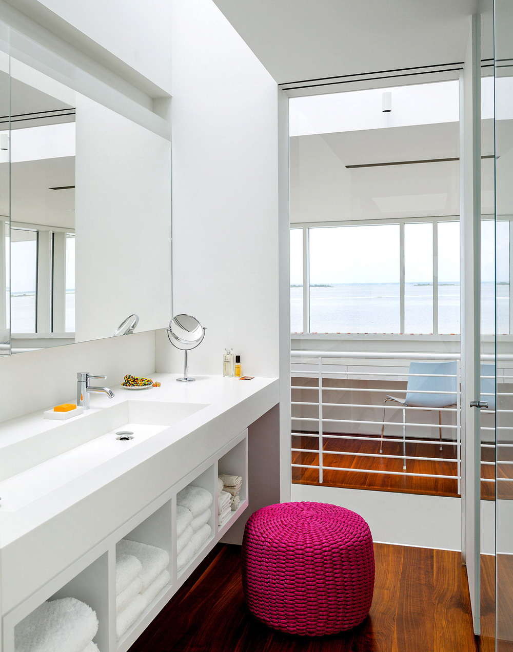 Bathroom, Richard Meier's Fire Island House
