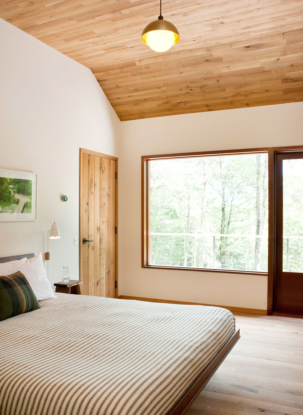 Bedroom, Wood and Glass House in Kerhonkson