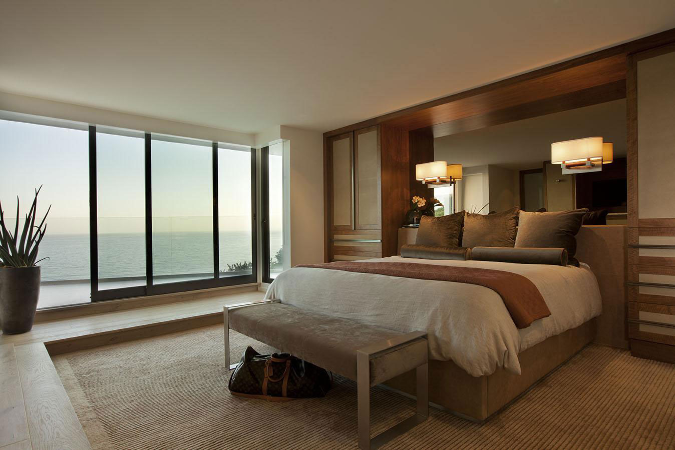 Bedroom, Patio Doors, Lighting, House in Pacific Palisades, Los Angeles