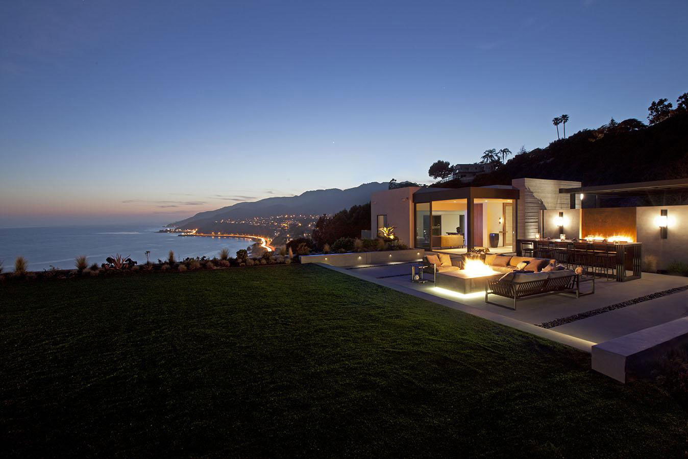Firepit, Lighting, Evening, Ocean Views, House in Pacific Palisades, Los Angeles