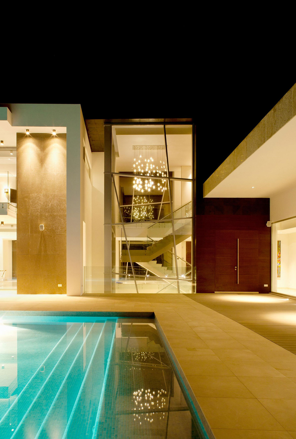 Glass Wall, Pool, Lighting, Family Home in Portugal