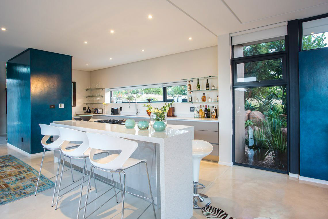 Kitchen, Breakfast Bar, Island, Contemporary Residence in Kwa Zulu Natal