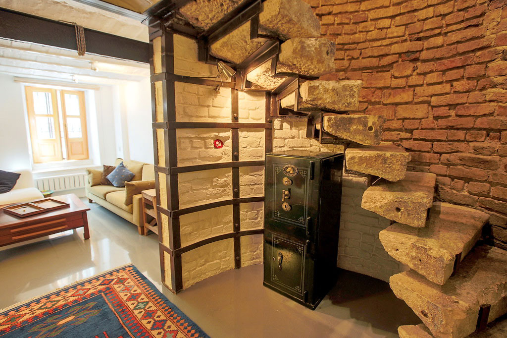 Natural Stone Stairs, Duplex in Galata, Istanbul
