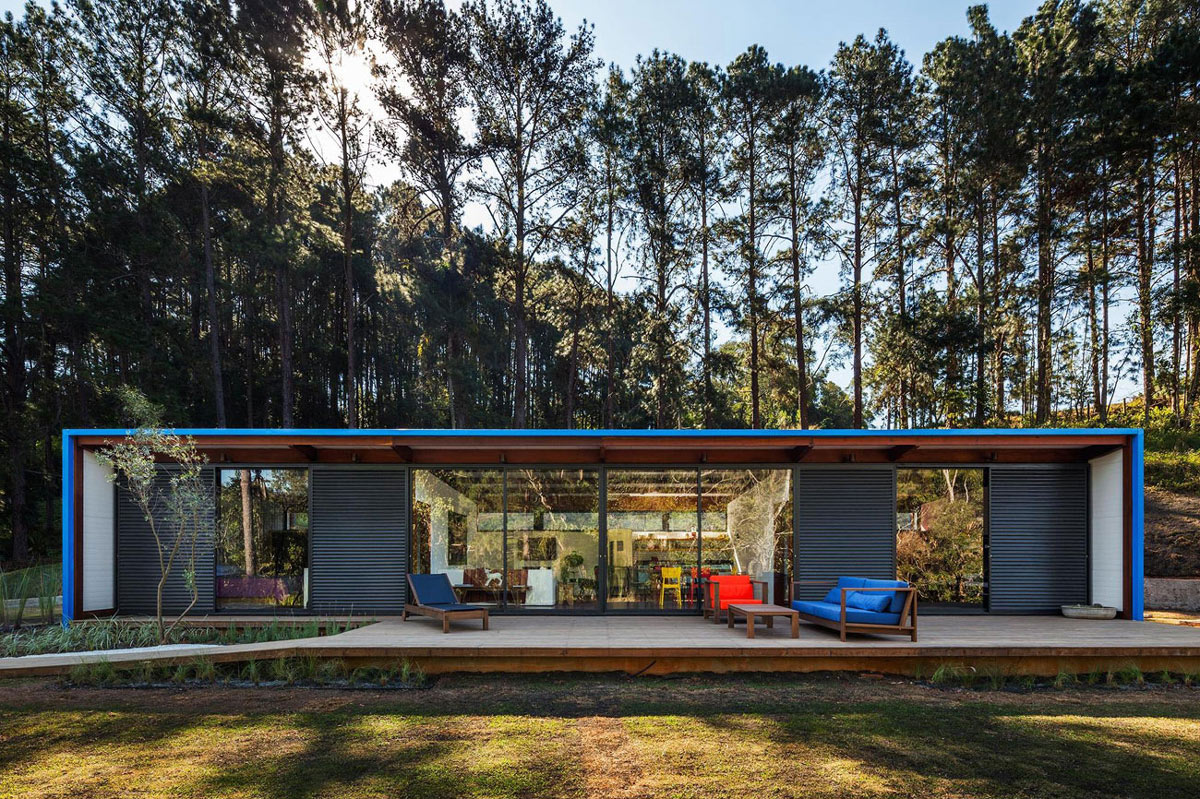 Compact Summer House in São Roque, Brazil