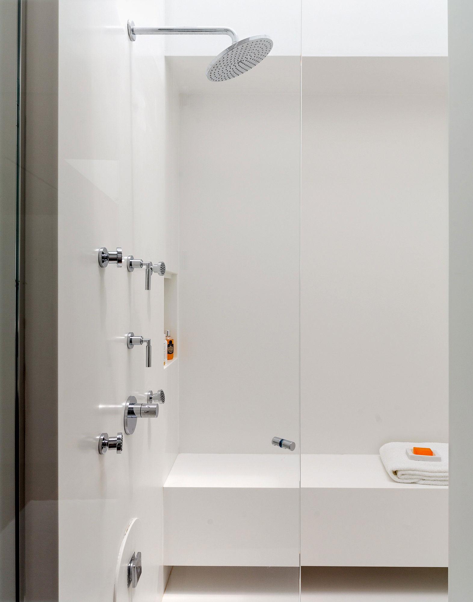 Shower, Richard Meier's Fire Island House