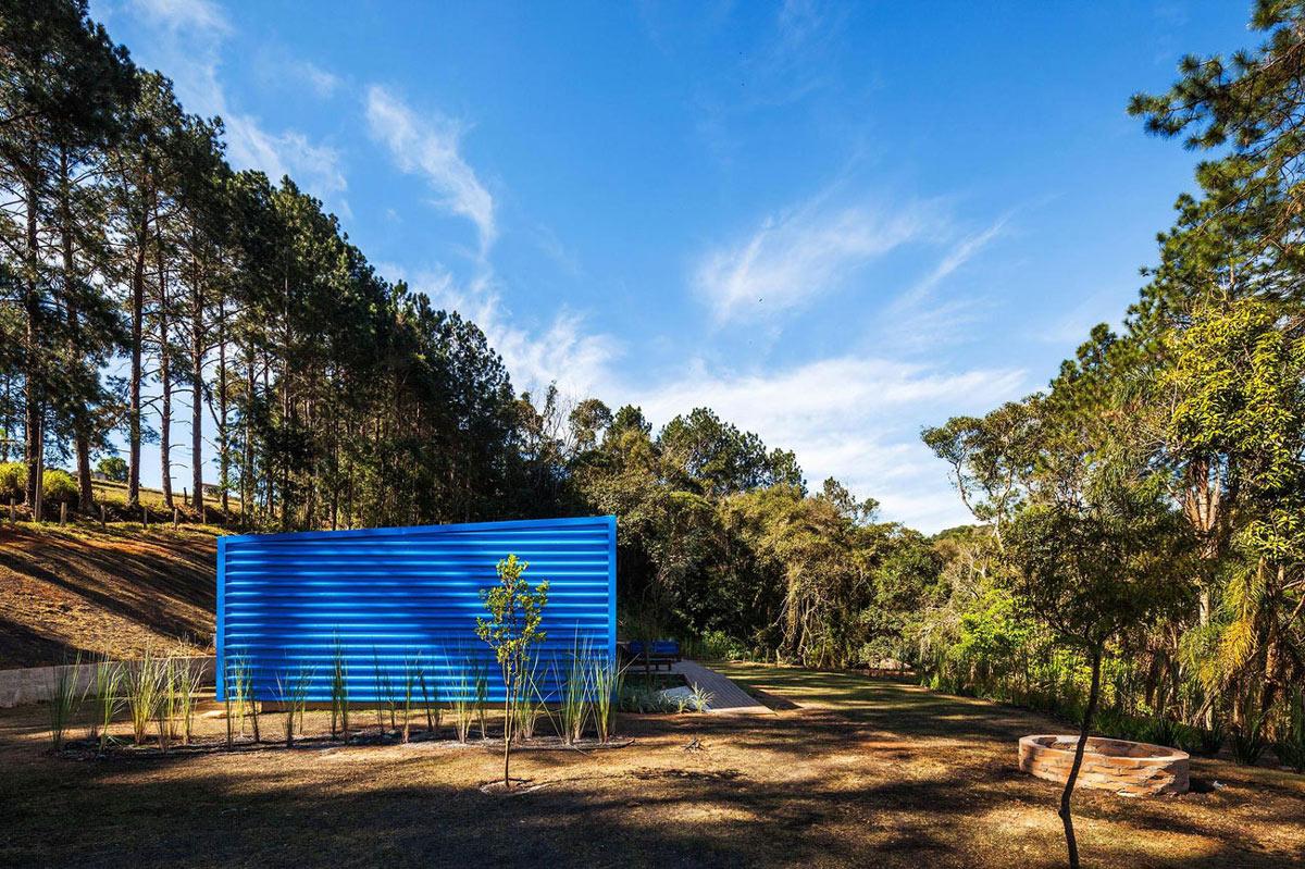 Side Façade, Garden, Forest, Small Summer House in São Roque, Brazil