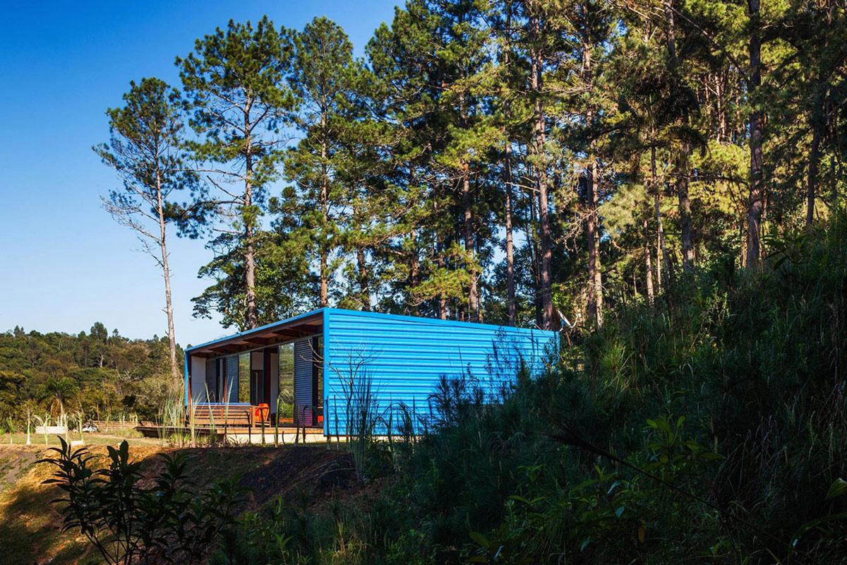 Side Façade, Garden, Small Summer House in São Roque, Brazil