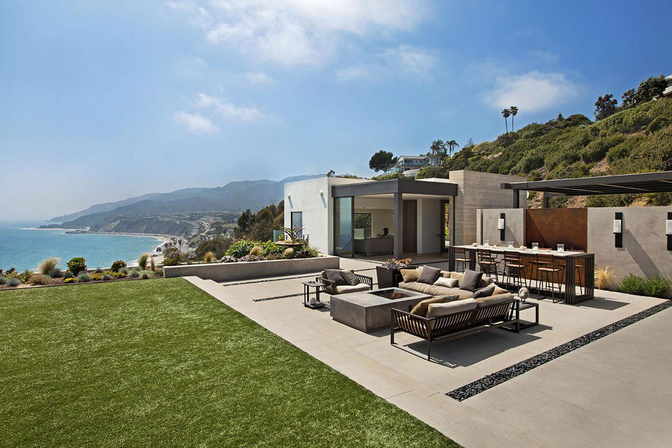Sea Views, Terrace, Fireplace, Outdoor Sofa, House in Pacific Palisades, Los Angeles