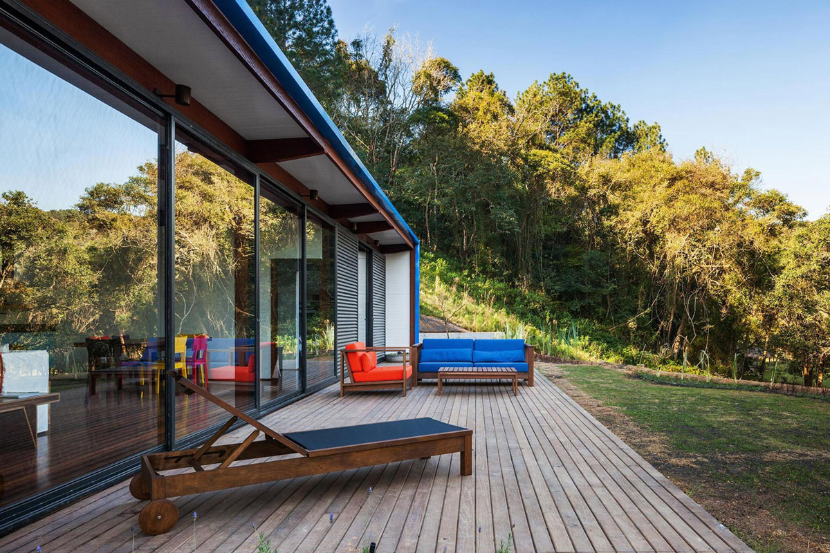 Wood Decking, Outdoor Furniture, Lawn, Small Summer House in São Roque, Brazil