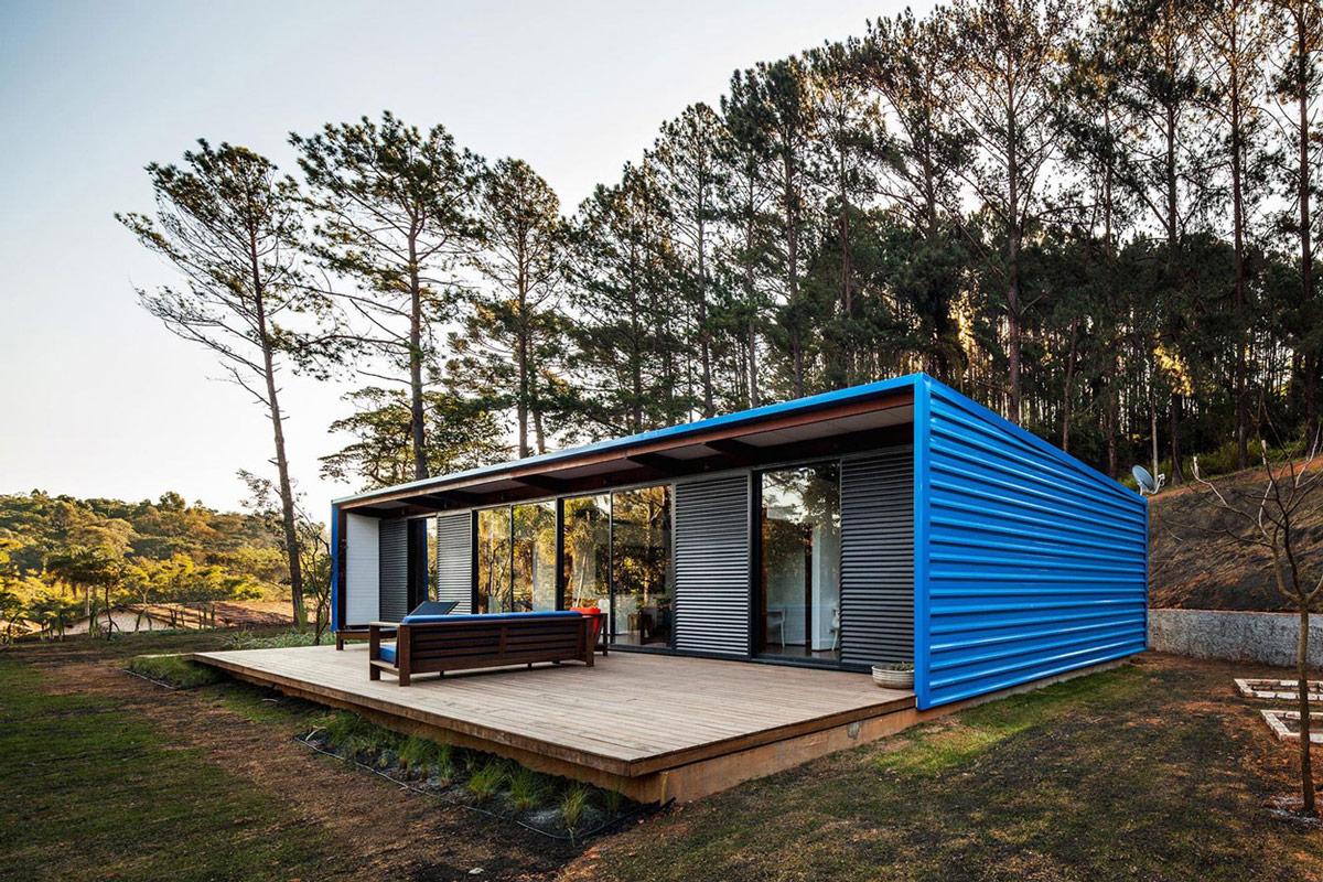 Wood Decking, Small Summer House in São Roque, Brazil