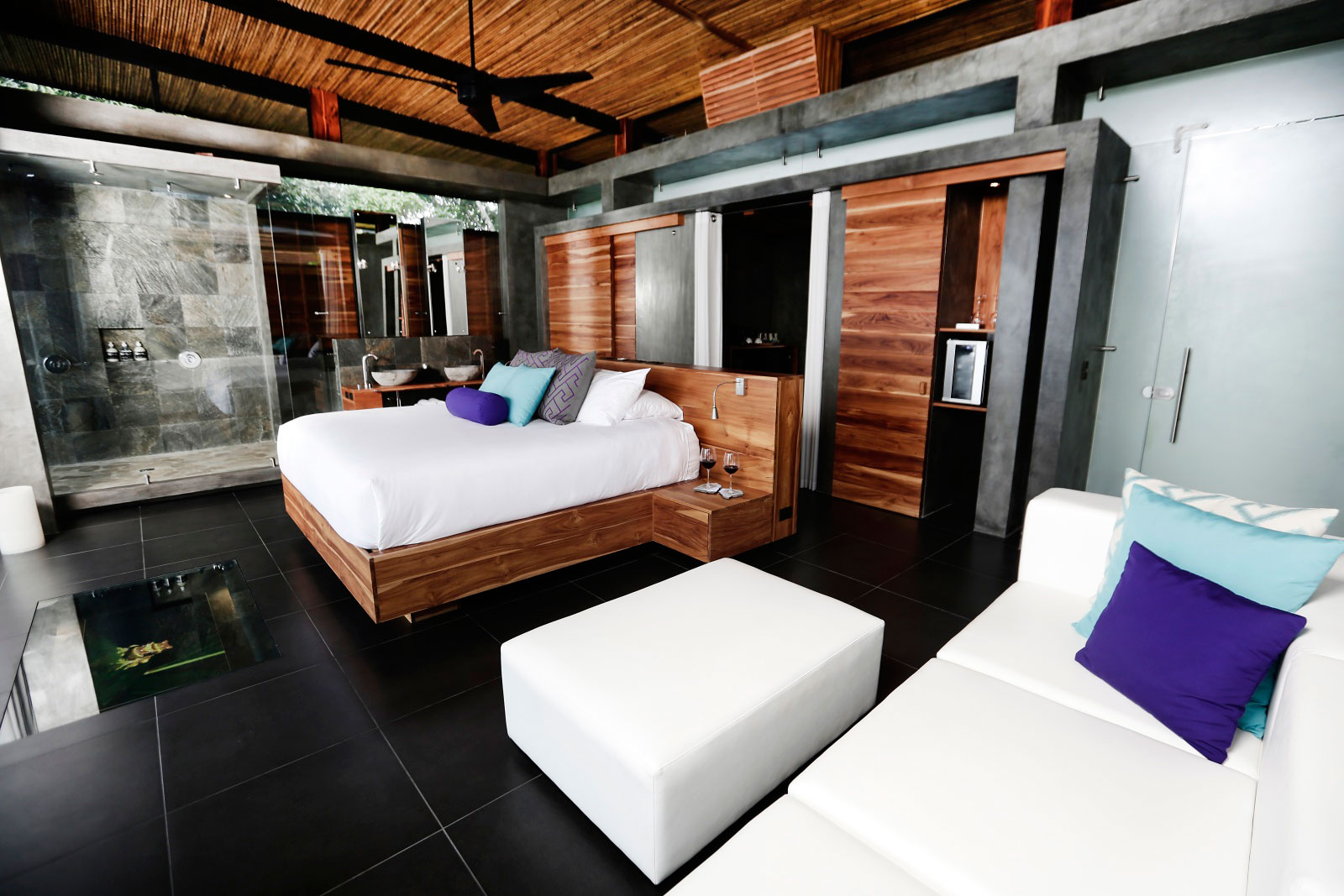 Contemporary Bedroom, Holiday Villas in Costa Rica