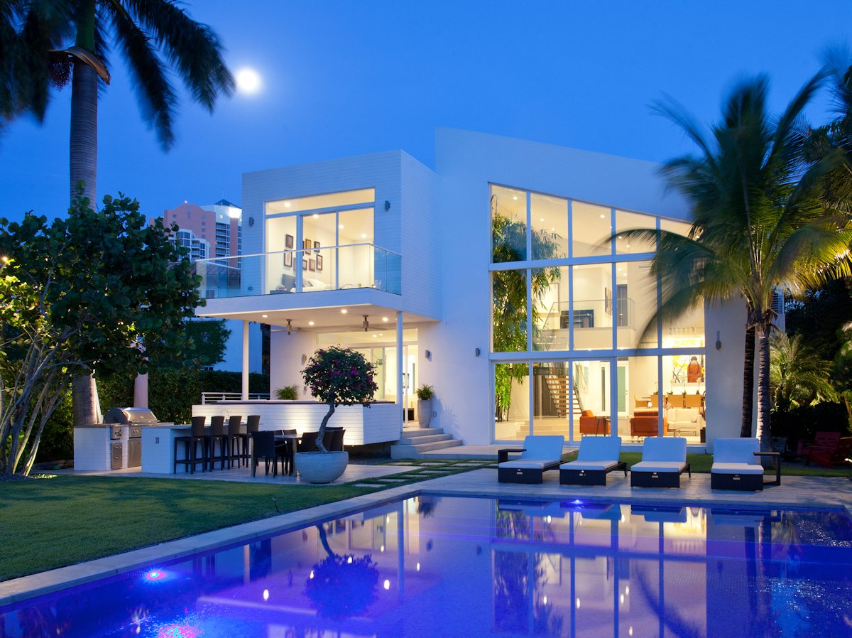 Contemporary family house in golden beach florida for Modern florida homes