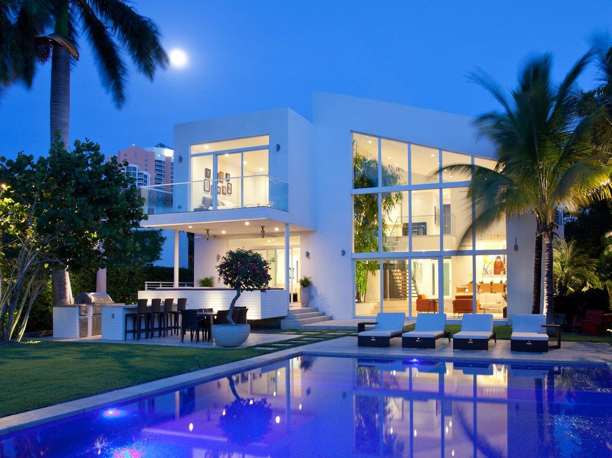 Contemporary Family House in Golden Beach, Florida