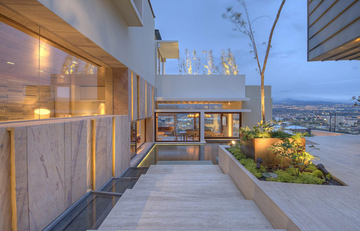 Elegant Contemporary House in San José, Costa Rica