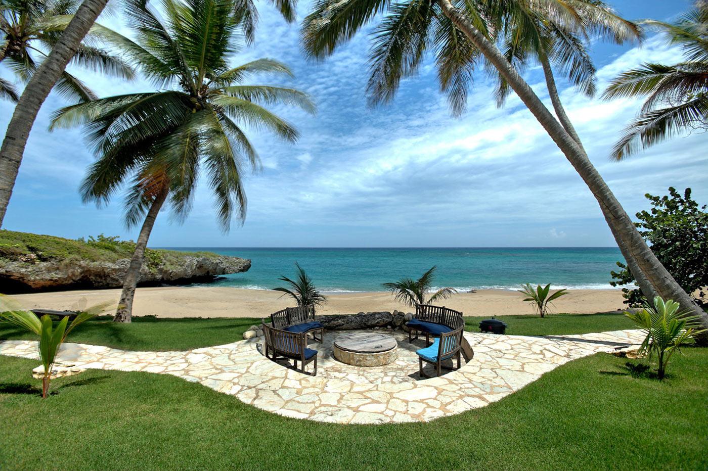 Terrace, Beach & Sea Views