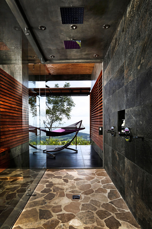 Walk-in-Shower, Slate Tiles, Holiday Villas in Costa Rica