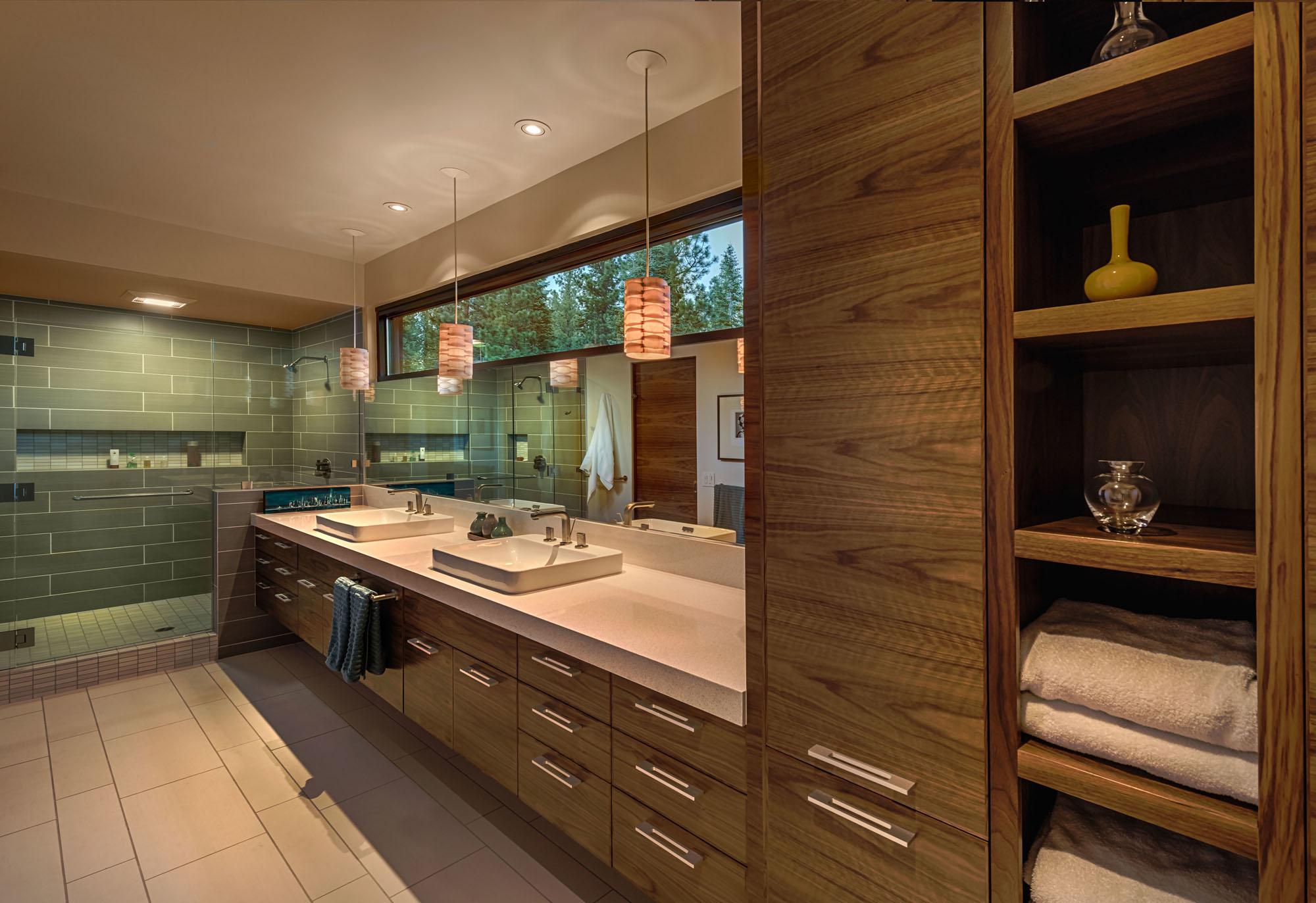 Bathroom, Walk-in-Shower