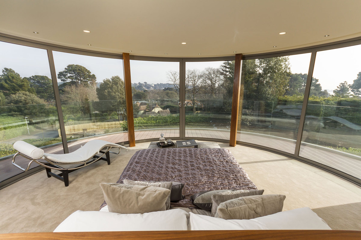 Outstanding modern family home in dorset england for Glass ceiling bedroom