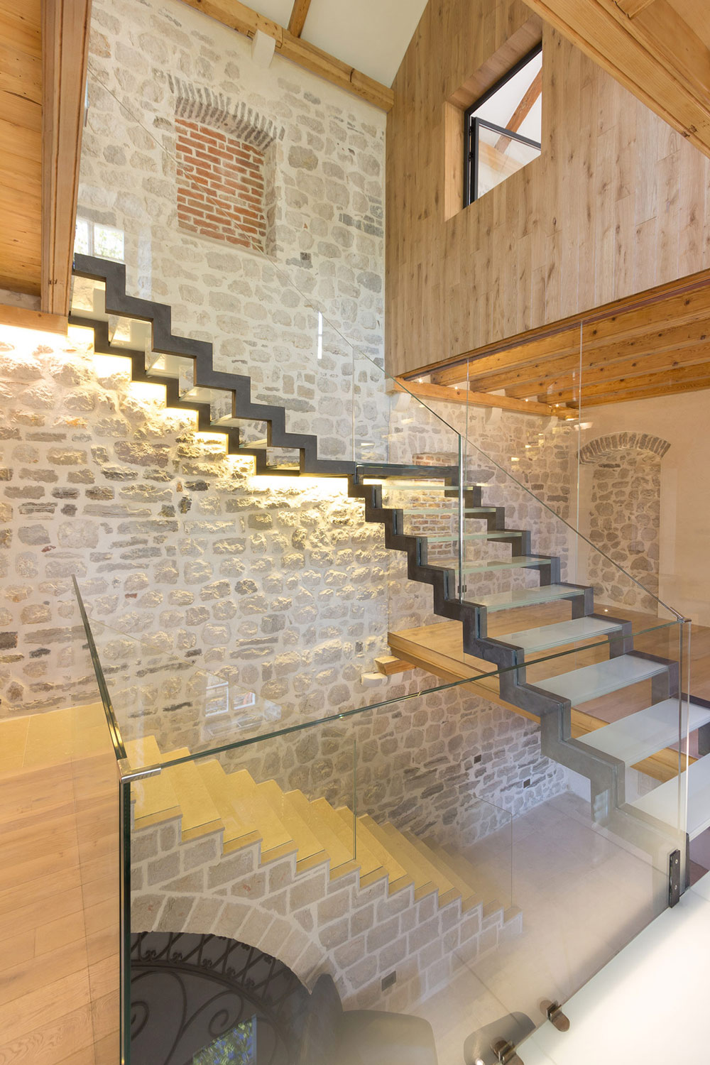 Stone Wall, Contemporary Staircase