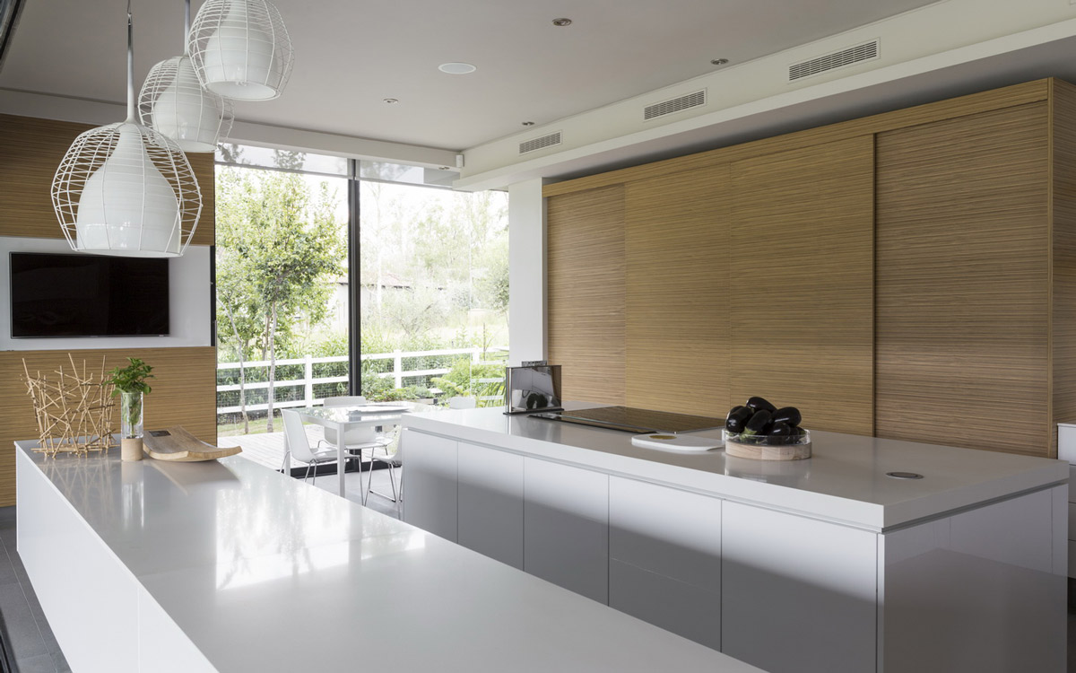 White Kitchen, Light Wood