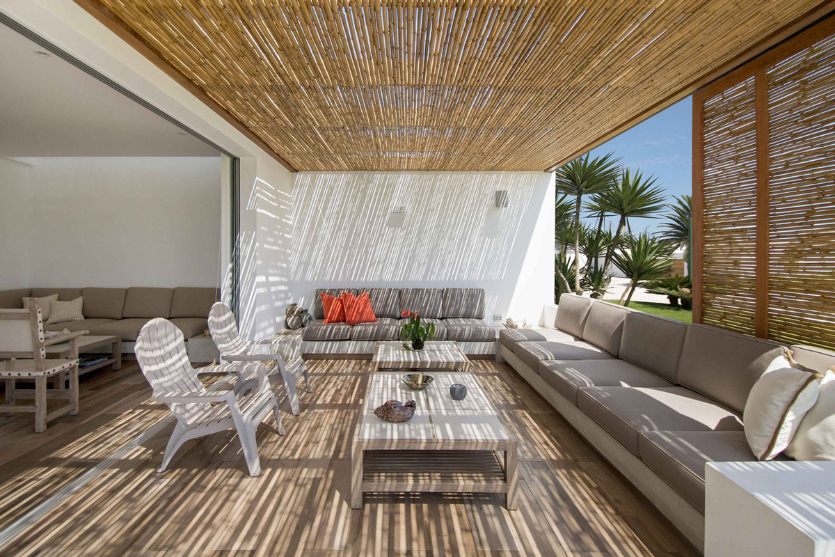 Outdoor living, bamboo ceiling