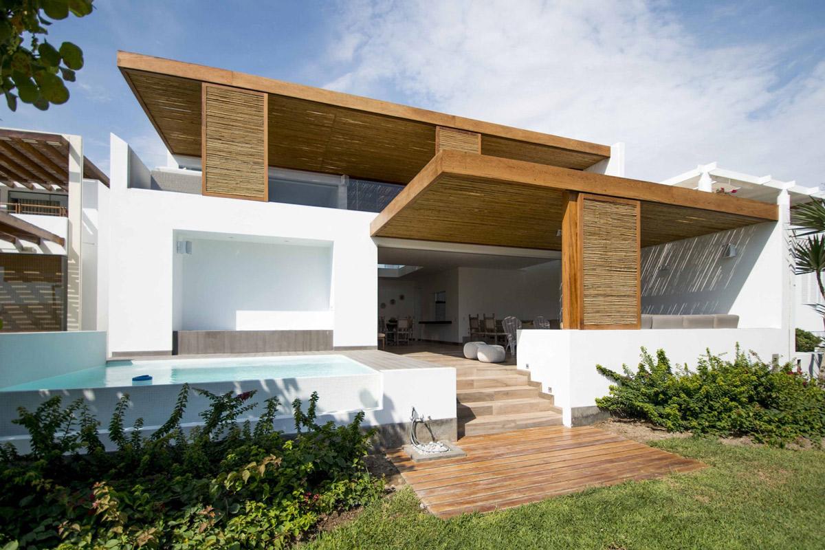 Wooden deck, pool