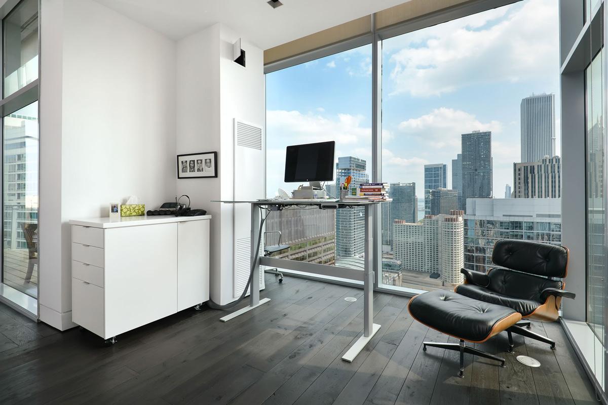 Minimalistic office
