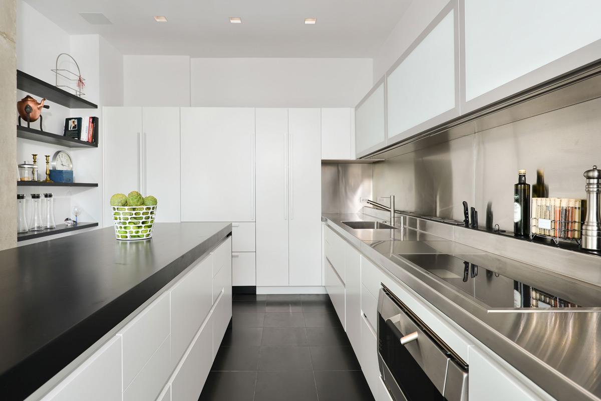 White & stainless steel kichen