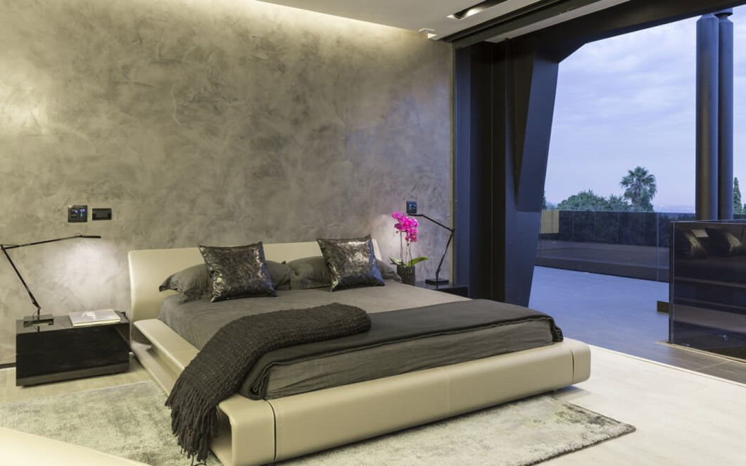 Bedroom, Balcony