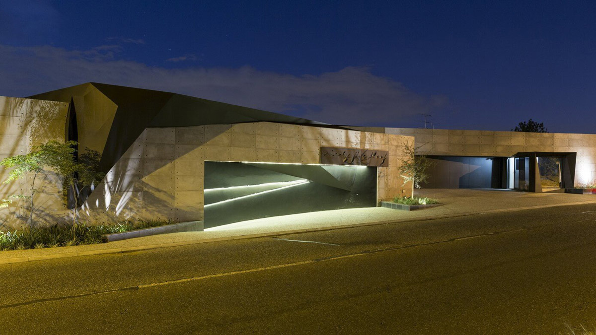 Garage, Rode View